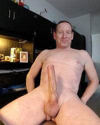 Extremely hung daddy