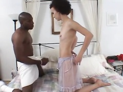 Skinny Girl vs Mandingo